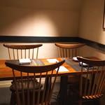 神楽坂 鉄板焼 中むら - 店内 テーブル席