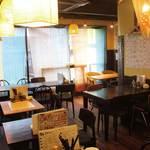 餃子酒場 カノウ - 開放的な雰囲気の店内で心地よい時間を★