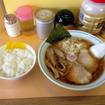 トモエ - チャーシュウメン+ライス