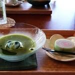 古民家カフェ 半平 - 料理写真:抹茶(冷茶)と特別メニュー横雲