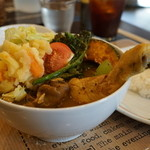 kuu - チキンレッグと野菜カレー