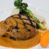 Royal Garden Cafe - 料理写真:黒毛和牛と黒豚のオーブン焼きハンバーグ【2016年2月】