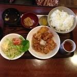 ビュッフェ - 鶏のおろしからあげ定食