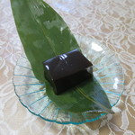 御菓子司 華月 - 料理写真:蓮餅