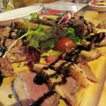 バルポポ - 厳選肉の4種盛り。牛ハラミ・ラムラック・豚・鴨の取り合わせだったと思います。
