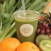 motto - 料理写真:季節の葉野菜に フルーツのミックス。 すっきりとした甘さで 美味しく野菜チャージ!