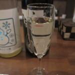 生駒 - シャンパングラスで日本酒が飲めます