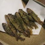 生駒 - ヤマメの唐揚げです。抹茶塩がかかってて美味しかったです