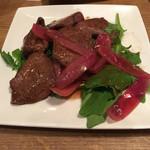 ヴァベーネ - ハツと赤玉ねぎのソテー マルサラ風味