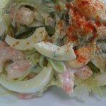 5071531 -  海老サラダの海老も芋も 野菜も 生きています