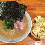 50710114 - ラーメン「麺硬め/味濃め」に「キャベチャ」をトッピング