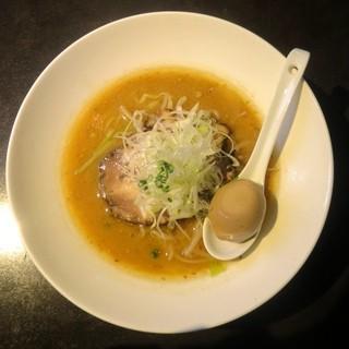 麺 藏藏 - 料理写真:みそたま(こく旨玉子のせ)