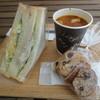 馬場FLAT - 料理写真:サンドイッチ+ミネストローネ+ラスク 1605