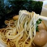 50758989 - パツっと歯ごたえよく切れるタイプのスープに良く合う麺