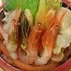 新家寿司 - 料理写真:地物甘エビと旬のアレコレ満喫ちらし