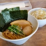 50759048 - 「焼き海苔味玉 煮干しそば (950円)」+「チャーシュー豚丼 (300円)」