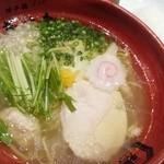 博多鶏ソバ 華味鳥 - 華味鳥水炊き鶏ソバ 780円☆☆