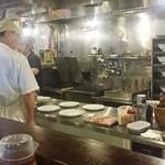 50803666 - 厨房は手際よく見ていて感心しました!