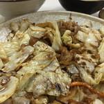 中華大龍 - 回鍋肉定食は見た目シンプル
