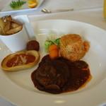 岡山国際ホテル - 料理写真:お子様ランチ2000円これに前菜、スープ、パン。デザートがつきます。