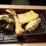 やまみ - 海老・烏賊・魚・若布と小柱のかき揚げ