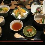 はんなり - 天ぷらや茶碗蒸し、炊き合わせ、焼き魚、蕎麦、季節の炊き込みご飯、味噌汁など