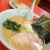 ラーメン山岡家 - 料理写真:みそとギョーザ