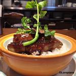 レストラン大宮 - spécialitéの『フォアグラ丼』サイドから