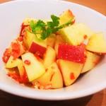 50915353 - リンゴのソムタム(辛っ)