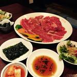 明月館 - 焼き肉セット(肉は明月館Aセットと相盛りに)