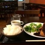 Cafe & Kitchen 米米食堂 - 料理写真:ミンチカツ定食700円です、ご飯は大盛り(無料)