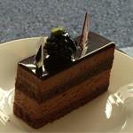 50930400 - 【チョコレートケーキ】(460円税抜)今回完成したばかりで正式名称はこれから。