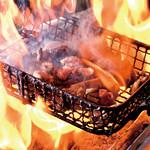 炭火焼鳥 西田屋 - 名物 地鶏の炙り焼き