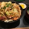 でんでん - 料理写真:豚キムチ丼(普通盛り、税込650円)