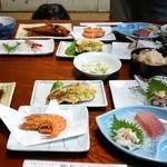 しらね荘 - 料理写真:夕食はお魚づくし