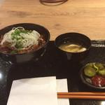 ザミートマーケット - カルビ丼(120g)