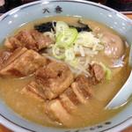 東京ラーメン大番 - 角煮ラーメン800円(味玉入り)