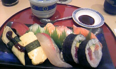 回転寿司ダイニング 魚忠 星が丘店