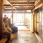うえの - 「上野商店」側の店内 '16 4月上旬