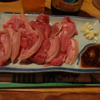 山羊料理さかえ - 料理写真:山羊さしみ1300円(税込)