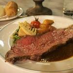 ブルーバイユー・レストラン - シェフのおすすめコース:ローストビーフ、粒マスタードソース