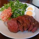 肉塊 UNO - ローストビーフ&ローストチキン