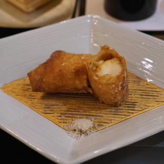トゥ・ラ・ジョア - 料理写真:海老 エビ えび (伊勢海老の春巻)