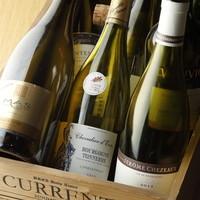 本格肉料理に合う、ワインは豊富に取り揃えています。
