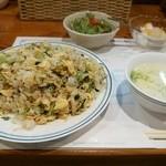 トンプウ(東風) - 料理写真:チャーハンご飯少し多めだそうです。