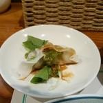 トンプウ(東風) - 料理写真:餃子は少し後から。