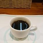 トンプウ(東風) - ドリンク写真:食後にミニコーヒー。