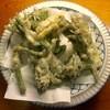 串ぼうず - 料理写真:たらの芽とウドの天ぷら、780円です。