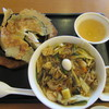 中華菜飯 - 料理写真:中華丼と羽根付き一口餃子のセット(¥1,250)