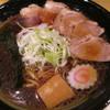 あるますーぷ - 料理写真:あるまブラック醤油チャーシュー大盛1000円。